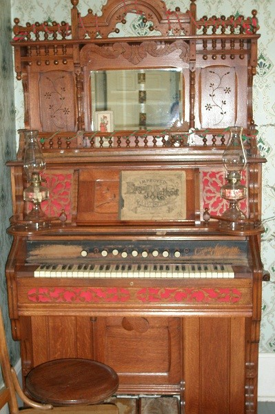 Western Cottage Organ